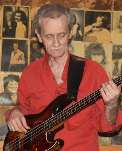 Al Kavanagh - Bass and vocals