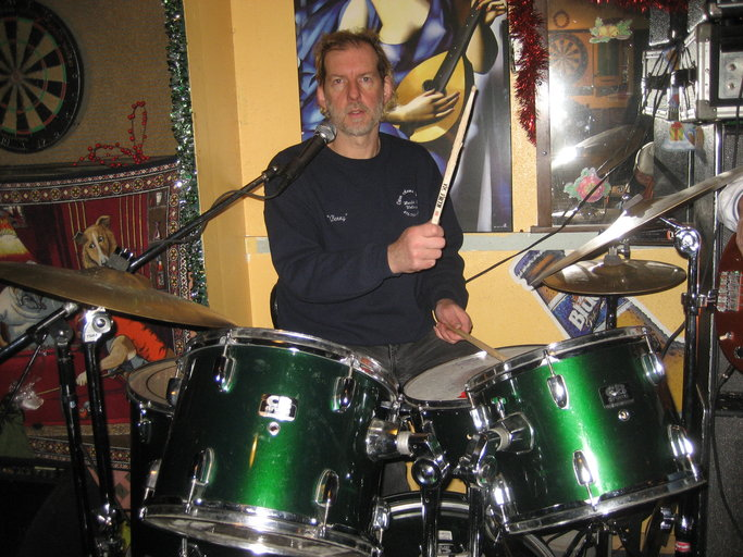 Benny Sanders - Vocals and drums